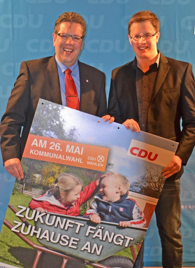 Segebergs stellv. Landrat und CDU-Fraktionsvorsitzender im Kreistag Claus-Peter Dieck und Henstedt-Ulzburgs Kreistagskandidat Ole Plambeck in Büdelsdorf