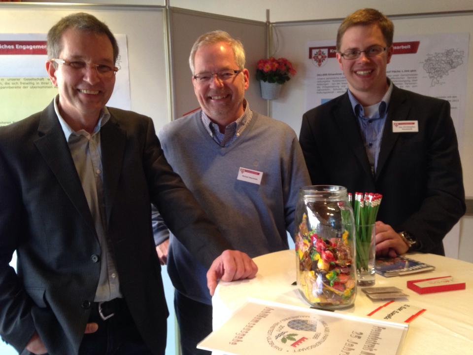 v.l.n.r. Sven Oldag (Gemeindevertreter aus Henstedt-Ulzburg, Michael Meschede und Ole Plambeck (beide Kreistagsabgeordnete)