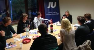 Die Junge Union diskutiert mit Katja Rathje-Hoffmann MdL