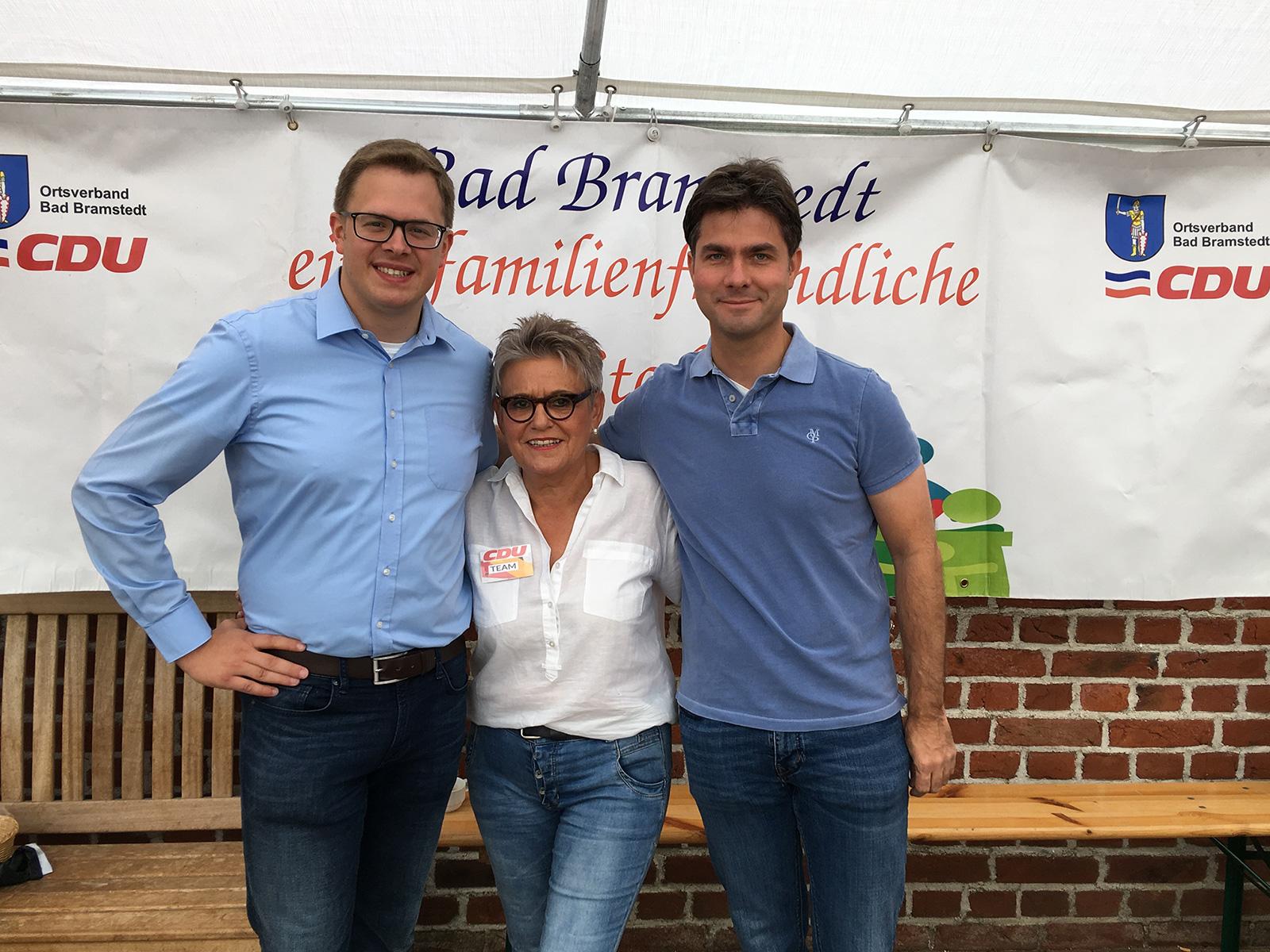 Freuten sich über rege Gespräche: Landtagsabgeordneter Ole-Christopher Plambeck mit der Bürgervorsteherin Annegret Mißfeldt und dem Bundestagsabgeordneten Mark Helfrich.